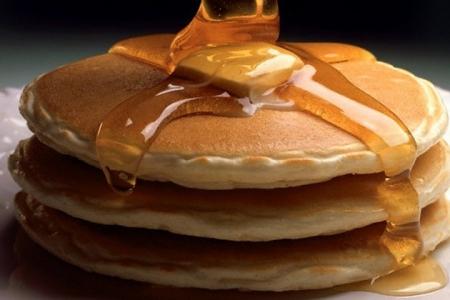 Groupon: 54% de descuento en Desayunos o Hamburguesas en IHOP