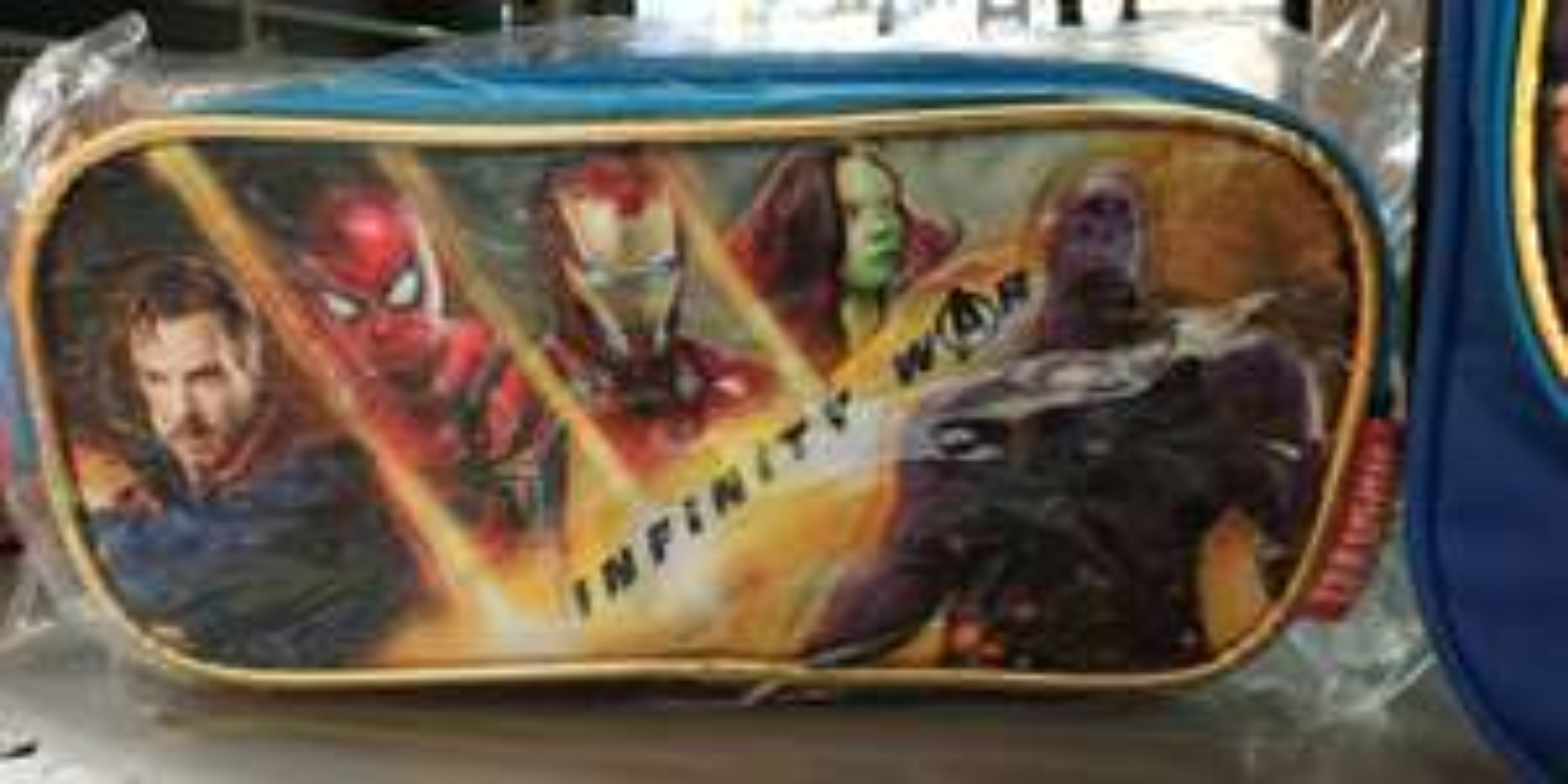 Walmart: lapiceras y loncheras de Avengers