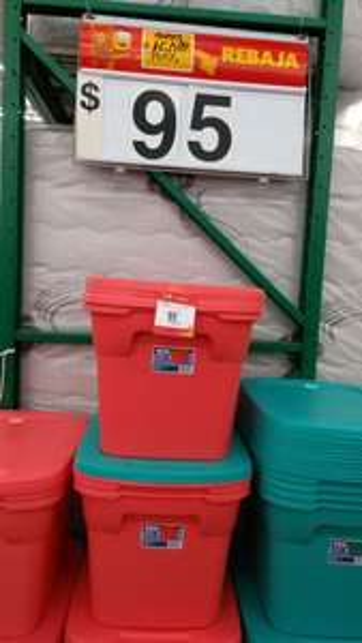 Walmart: Caja plástica