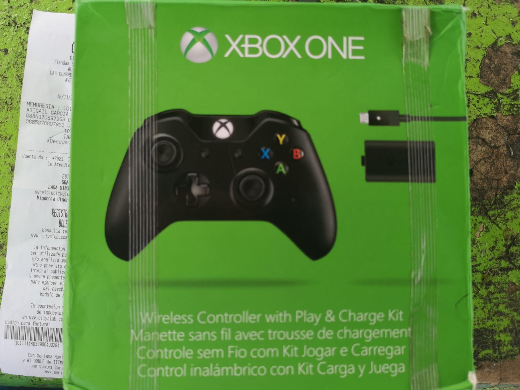 City Club: Control Xbox One con carga y juega incluido