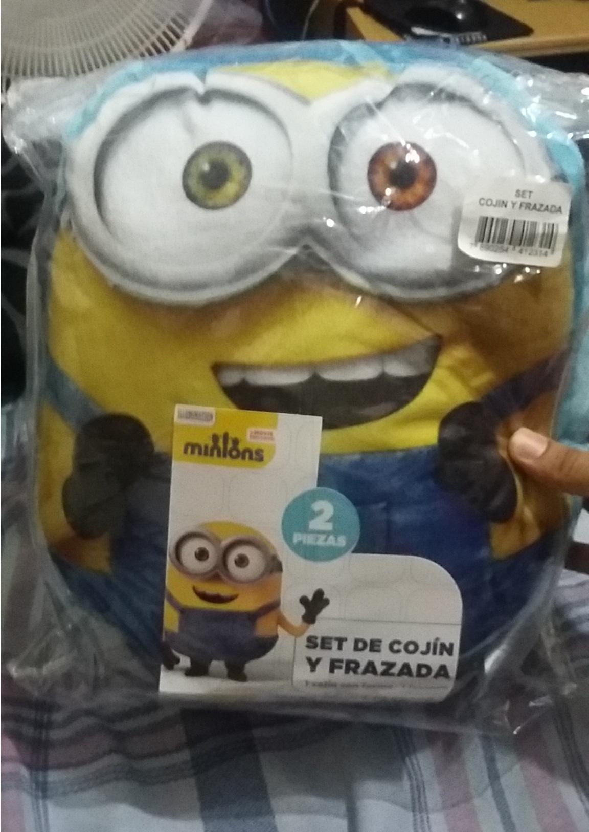 Walmart: Set de cojin y Frazada de Minions $35.01 + Promohistoria :)