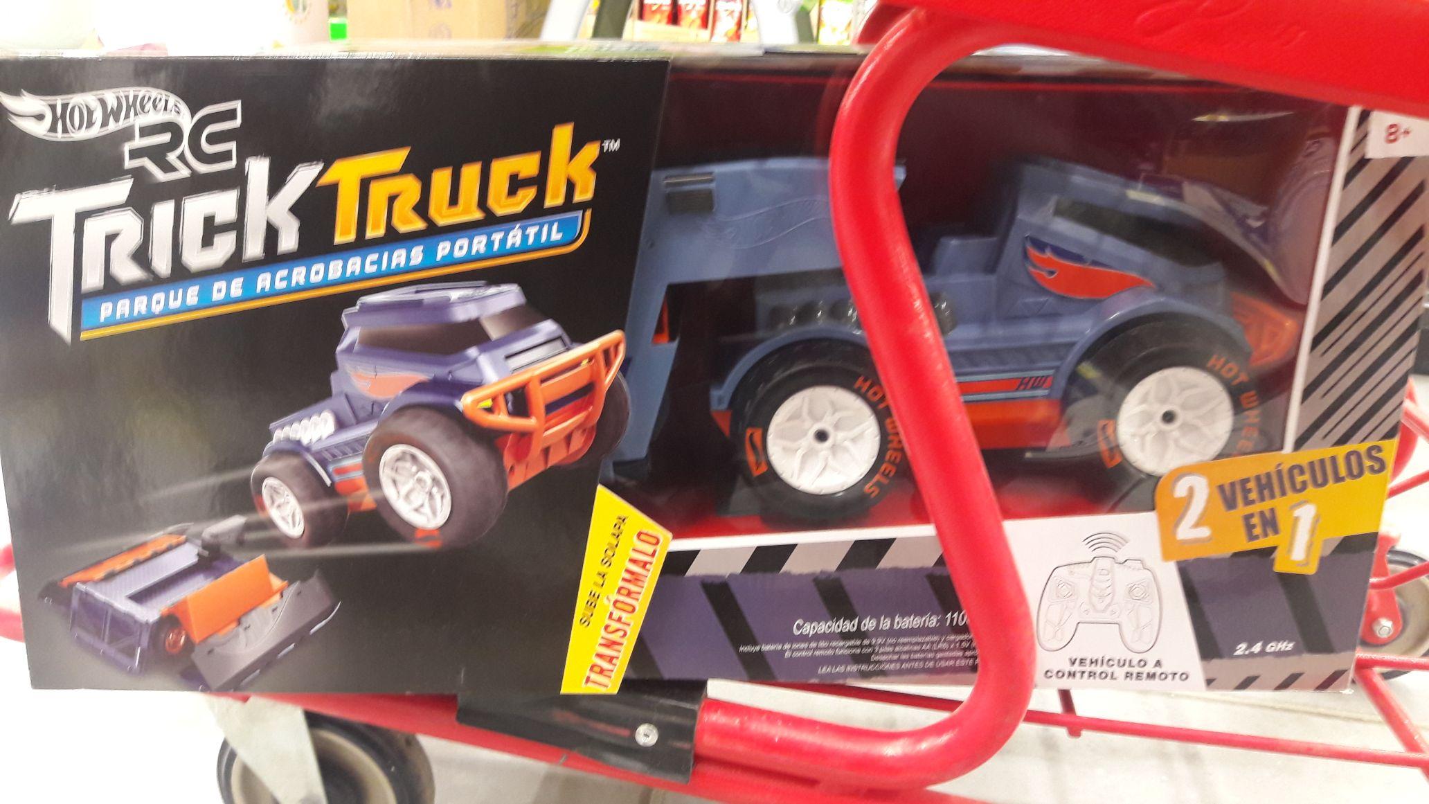 Bodega Aurrera: Trick Truck parque de acrobacias.