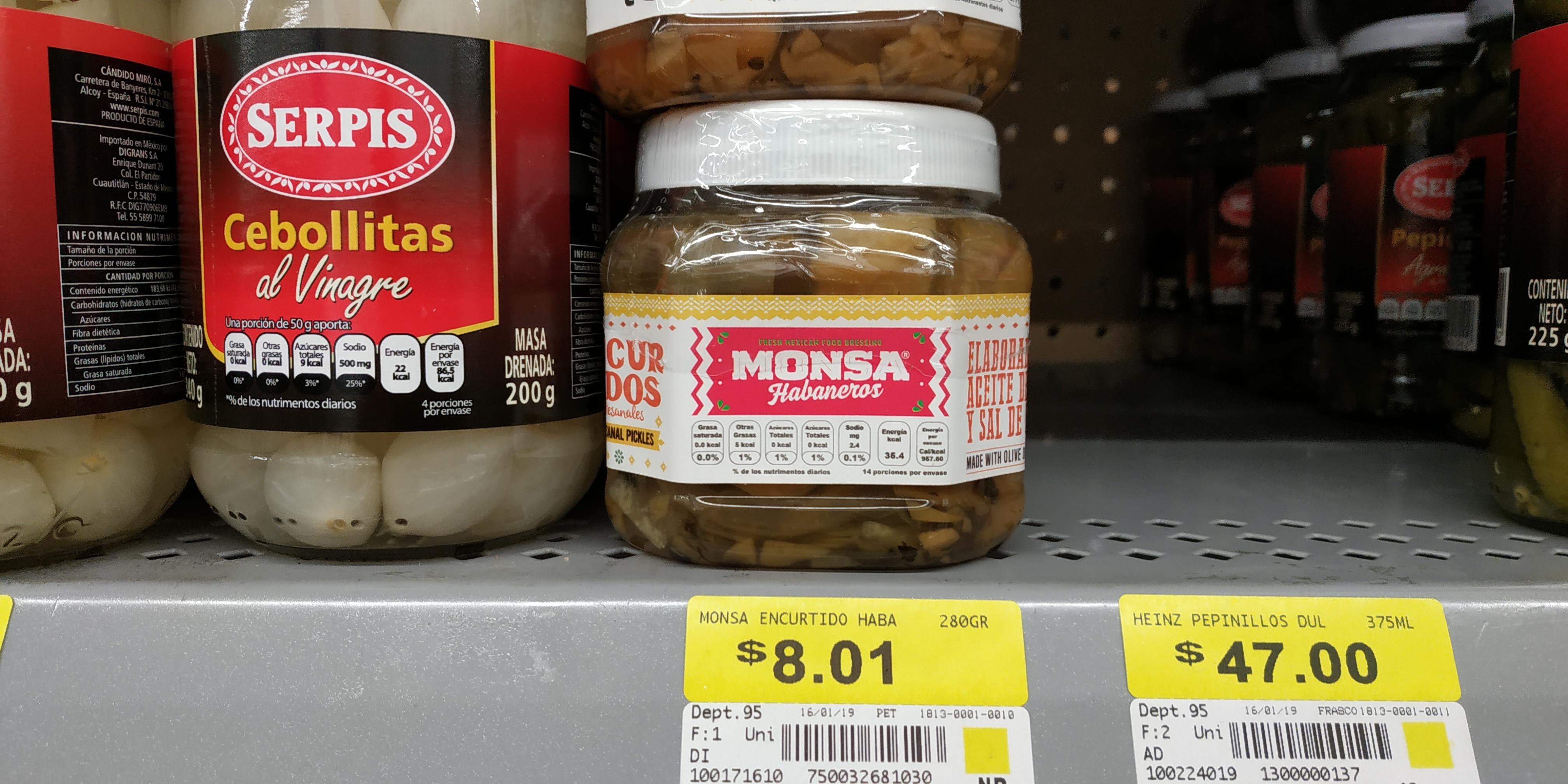 Walmart: encurtido habanero, nopales escabeche
