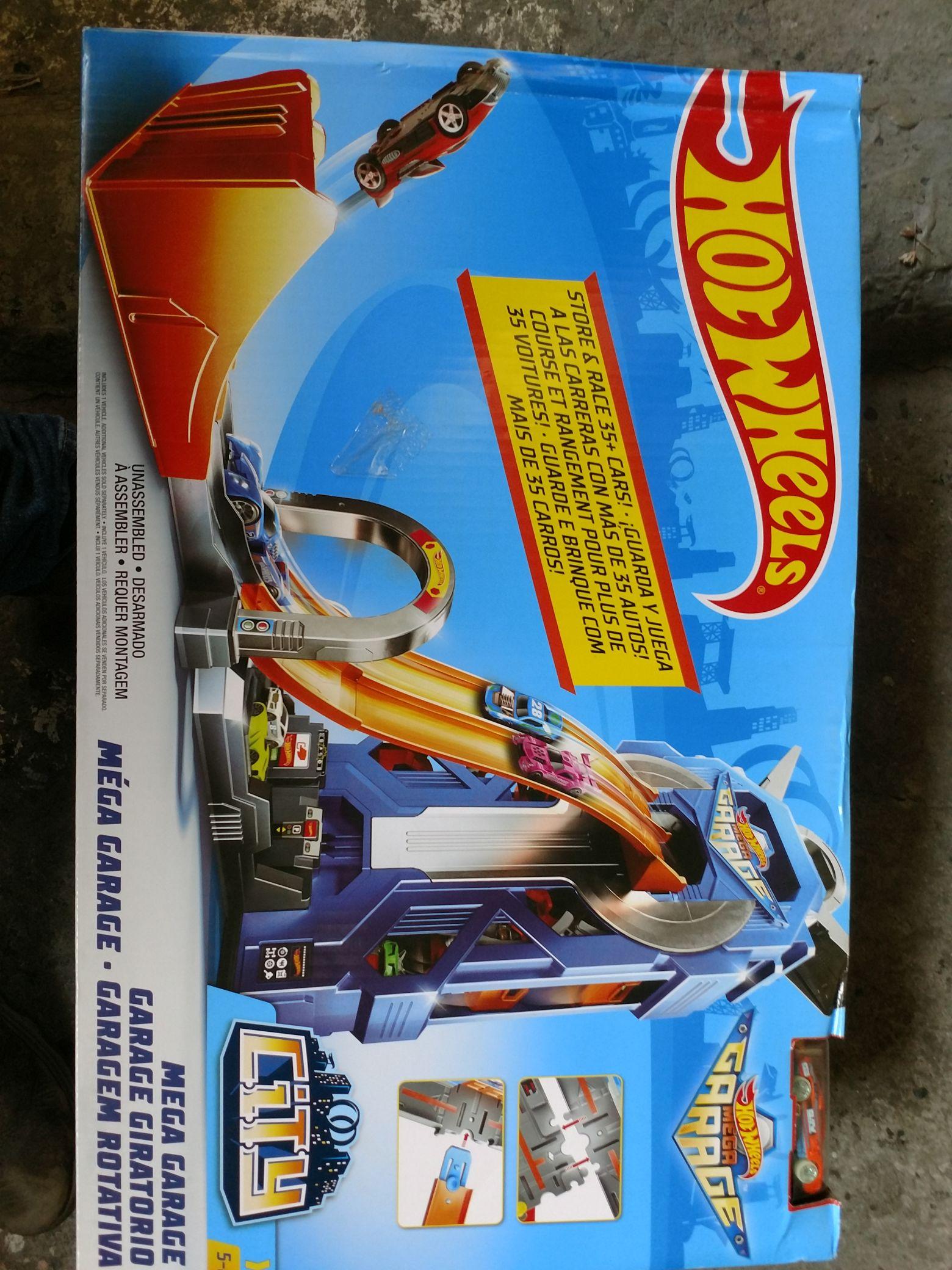 Bodega Aurrera: Pista Hot Wheels Mega Garage y varios juguetes último liquidación