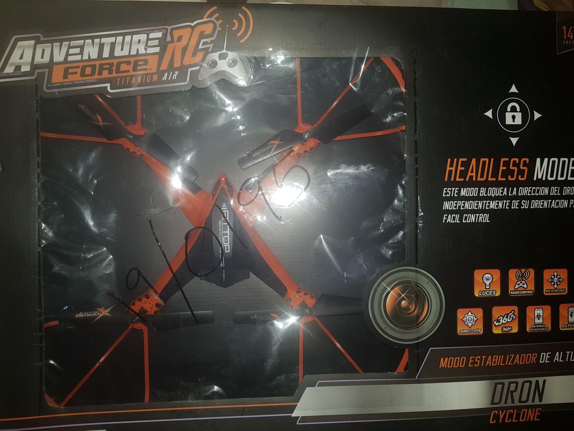 Walmart: Dron Adventure Force Titanium Air