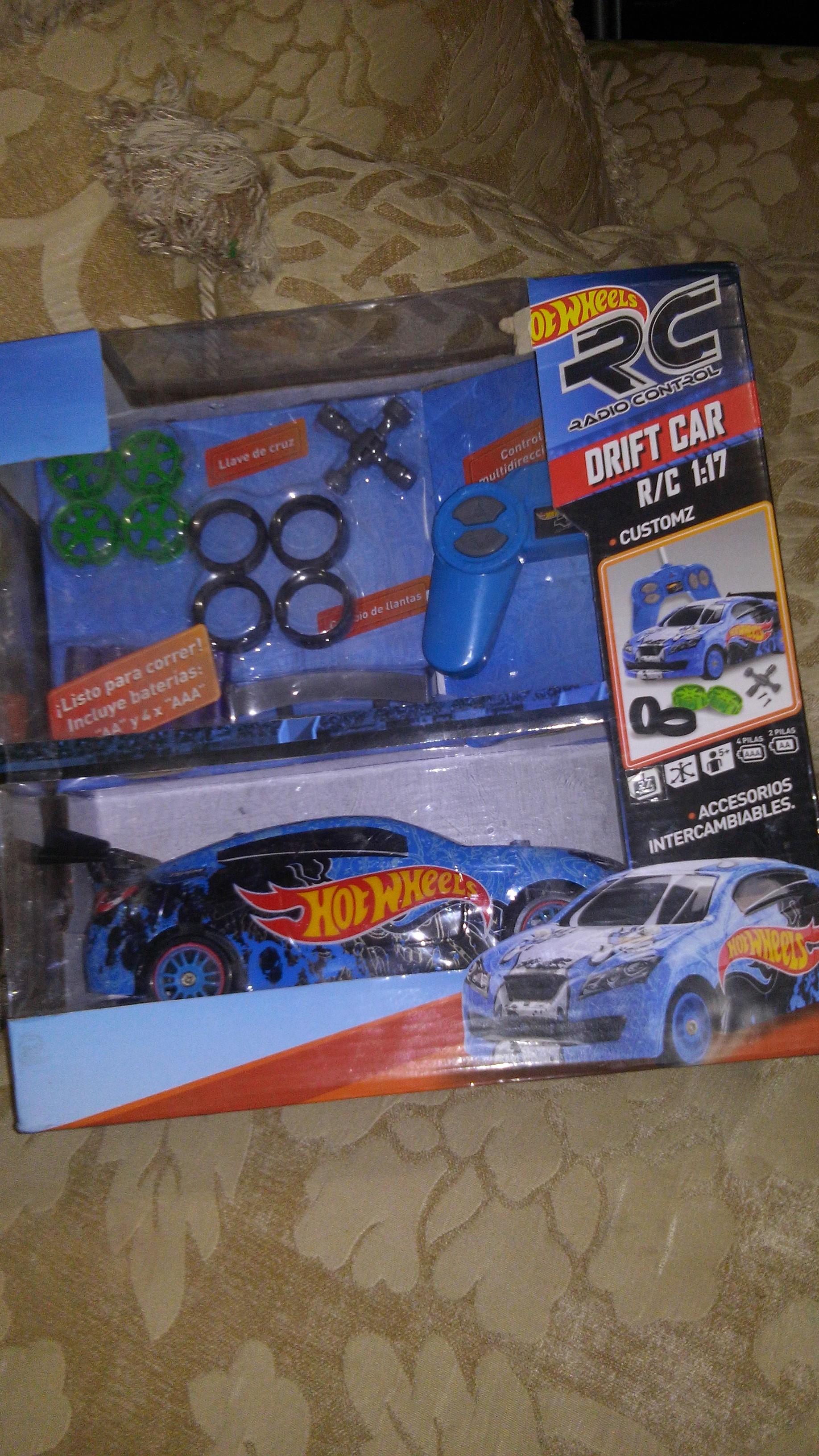 Bodega Aurrera Carro Control Hot Wheels $93.02 y Set de Trocas Monstruo $143.03