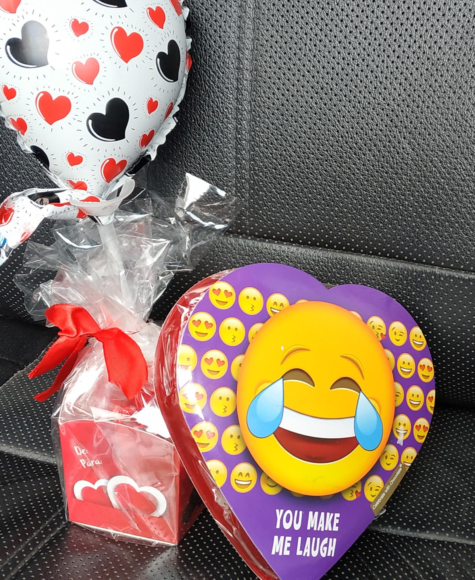 Walmart: Chocolates, Aceite de coco GV $32, champiñones $24