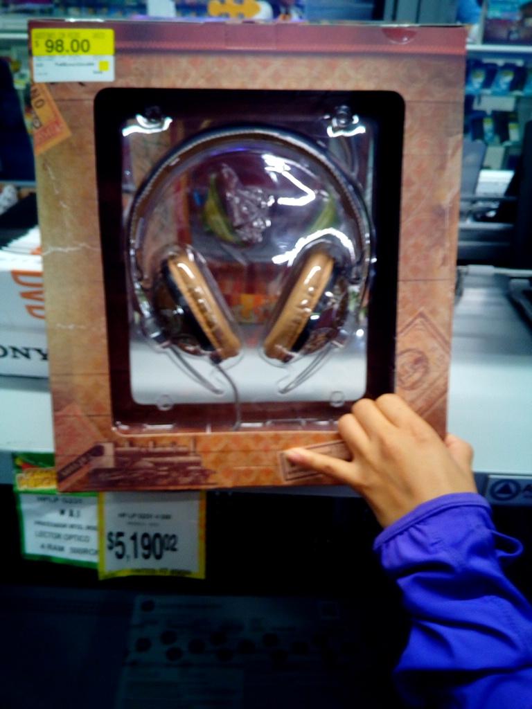 Bodega Aurrerá: audífonos a $98