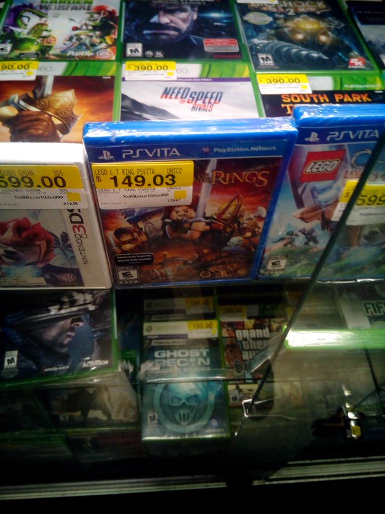 Bodega Aurrerá: video juego LoR para PsVita