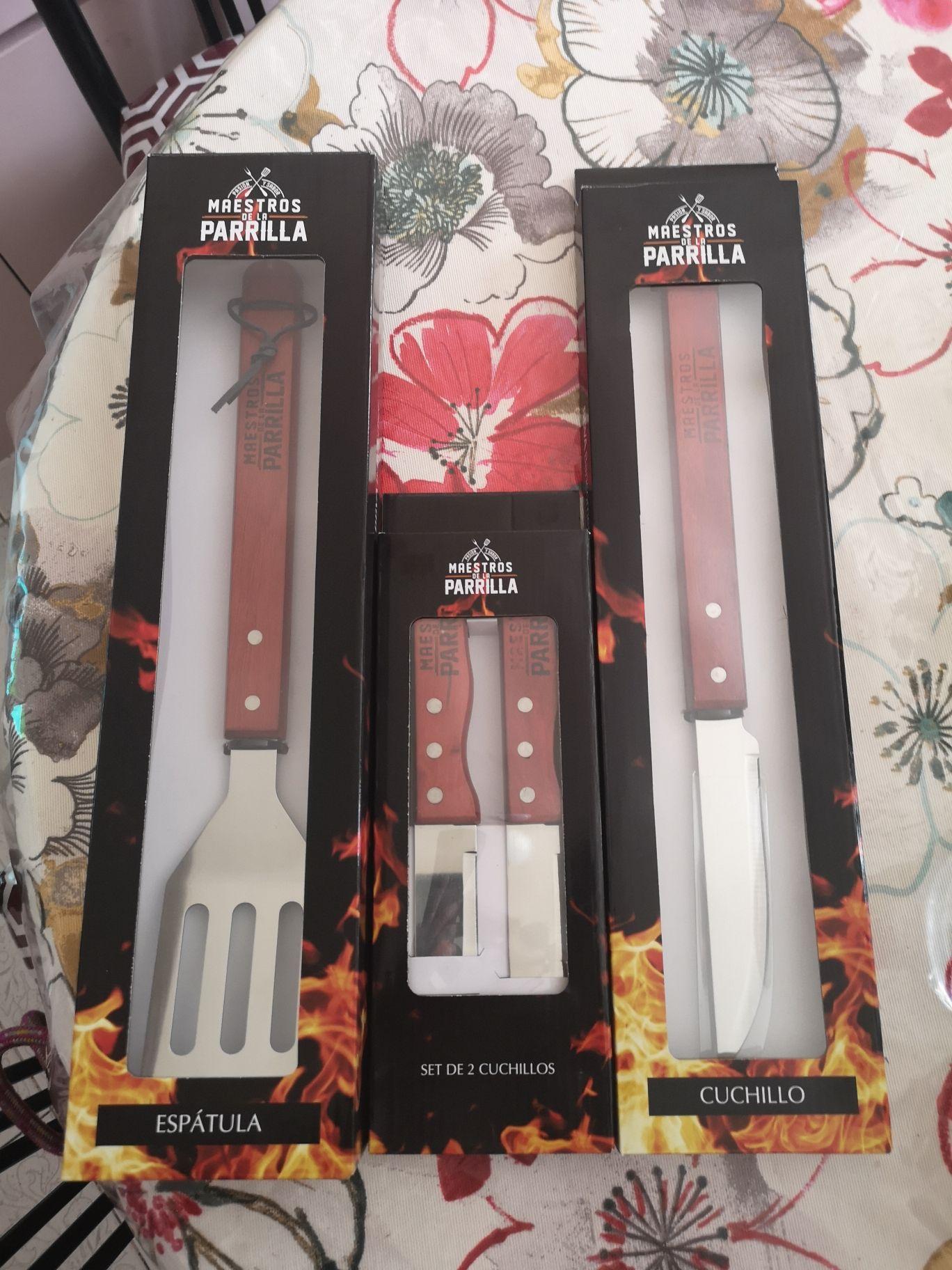 Superama Revolución CDMX, set de 2 cuchillos $35, cuchillo (largo) $15, espátula $35