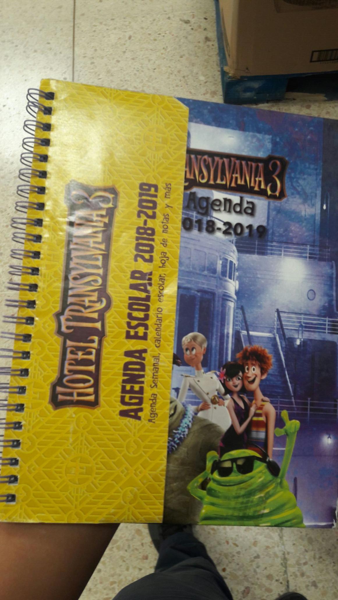 Walmart: agenda escolar + dulces
