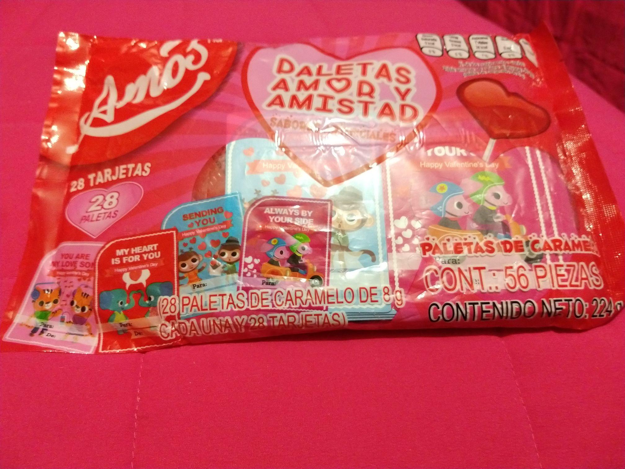 Walmart Unidad Copilco: Bolsa con paletas de caramelo en $3.01, 6 Paletas de dulce de corazón en $3.01, Paleta de malvavisco en $0.71