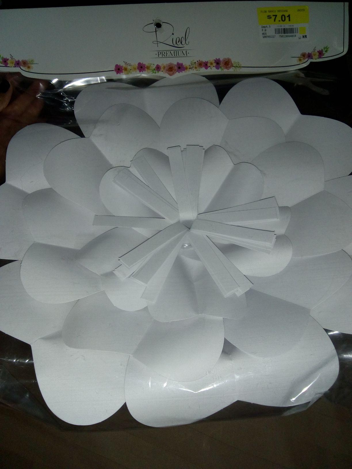 Walmart Morelos: Flor para decorar