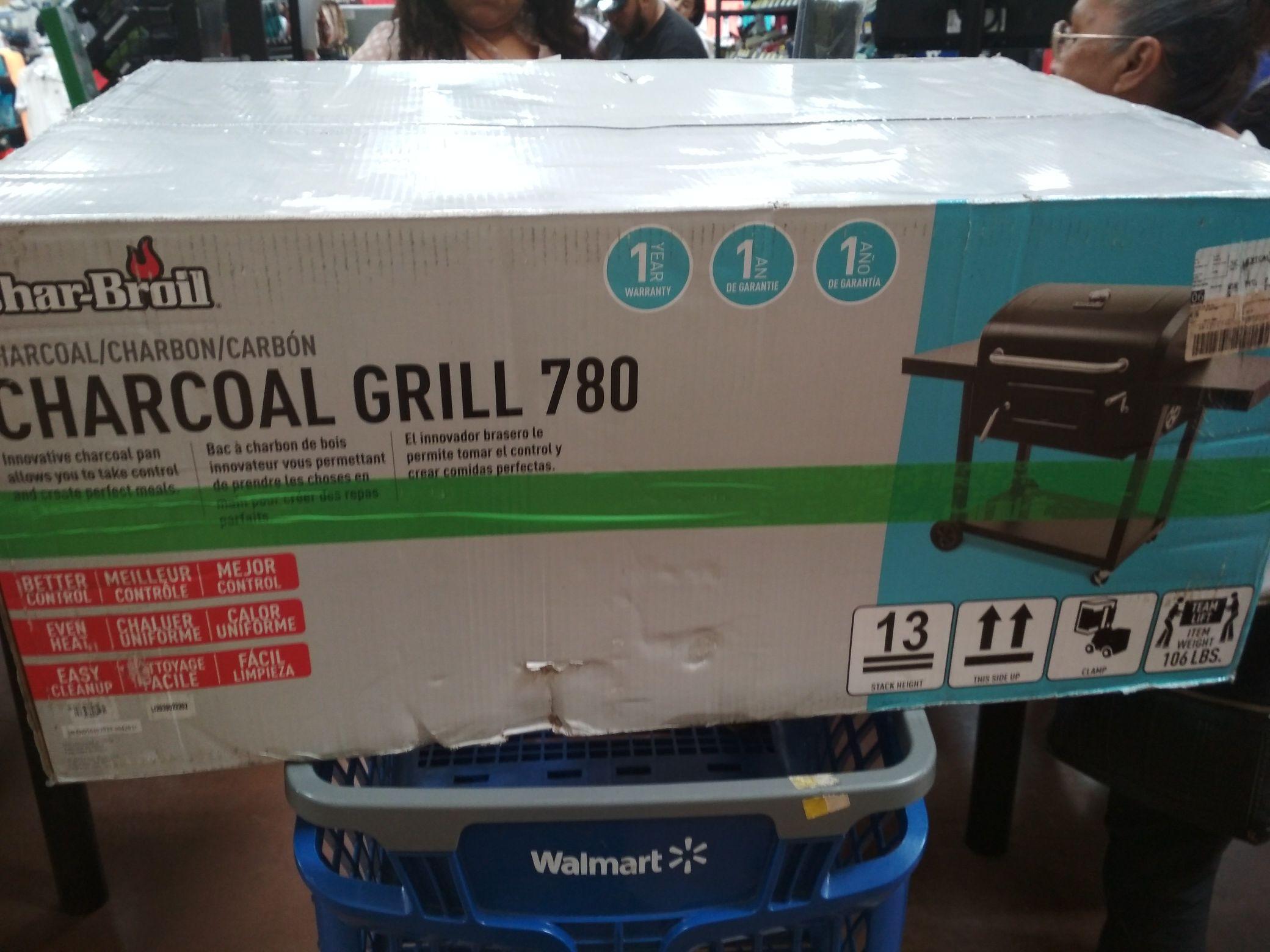 Walmart novena: asador Charcoal grill 780