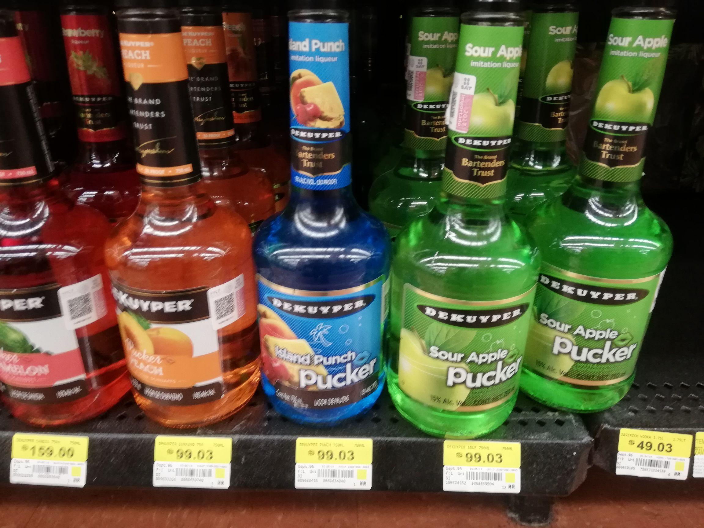 Walmart: Licor de frutas 49. 02 Pekuyper