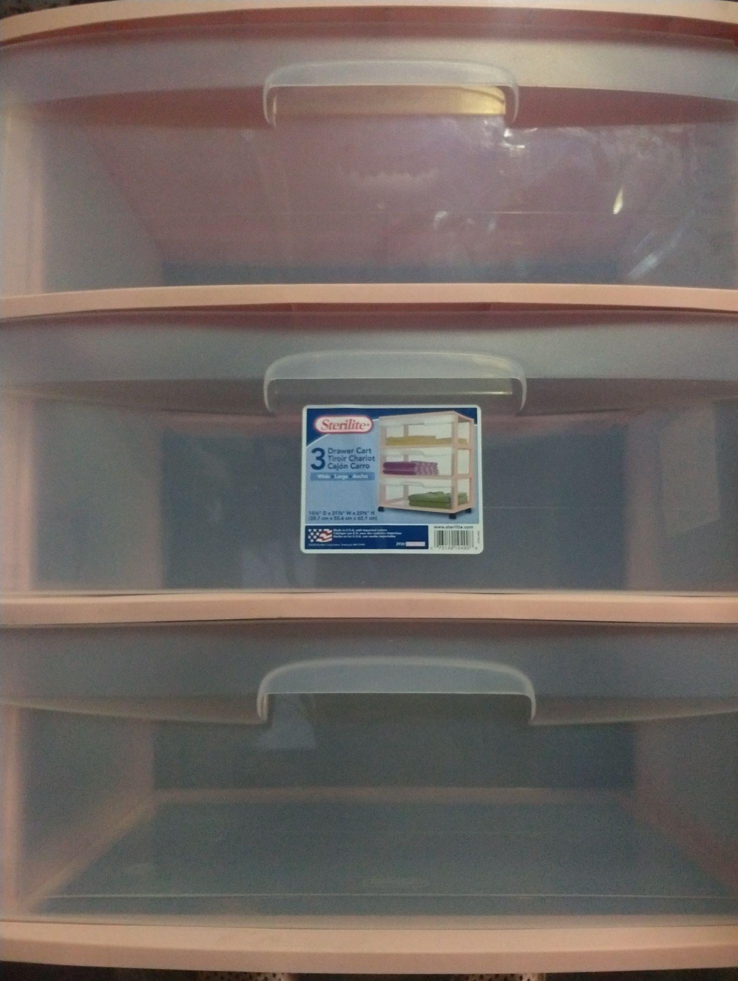 Walmart: Cajonera Sterilite Rosa tres cajones  49.01