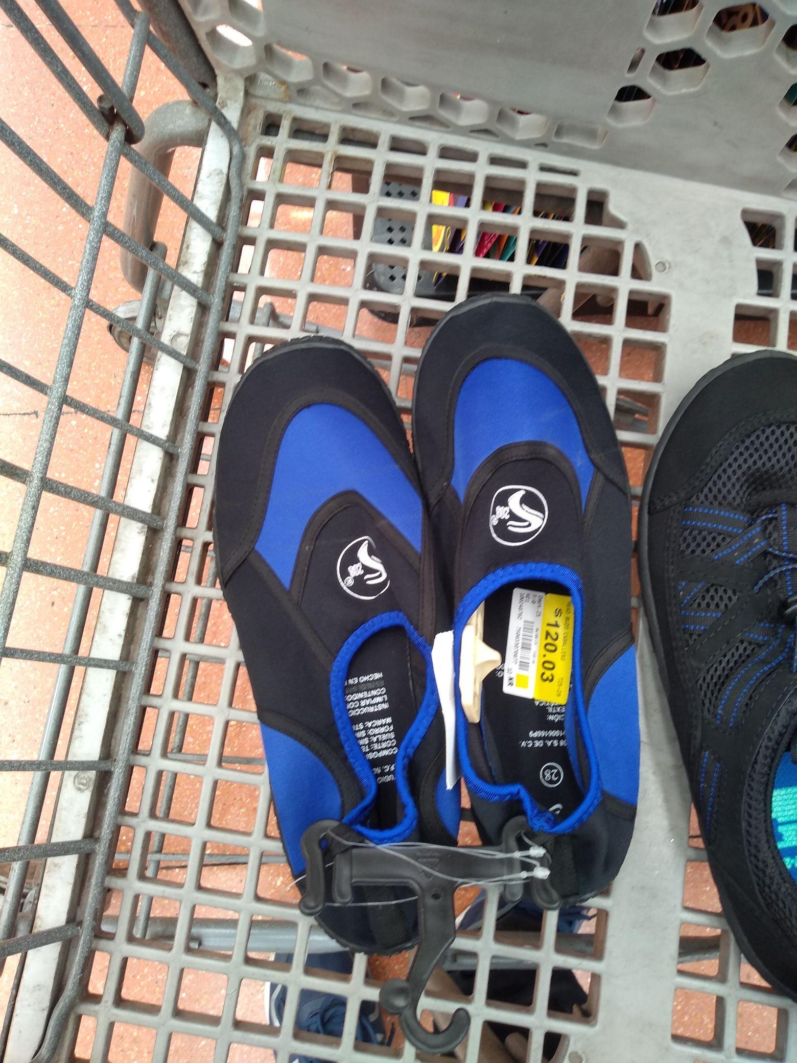 Walmart: Zapatos para nadar o bucear, jeans, tenis y boxer Hanes
