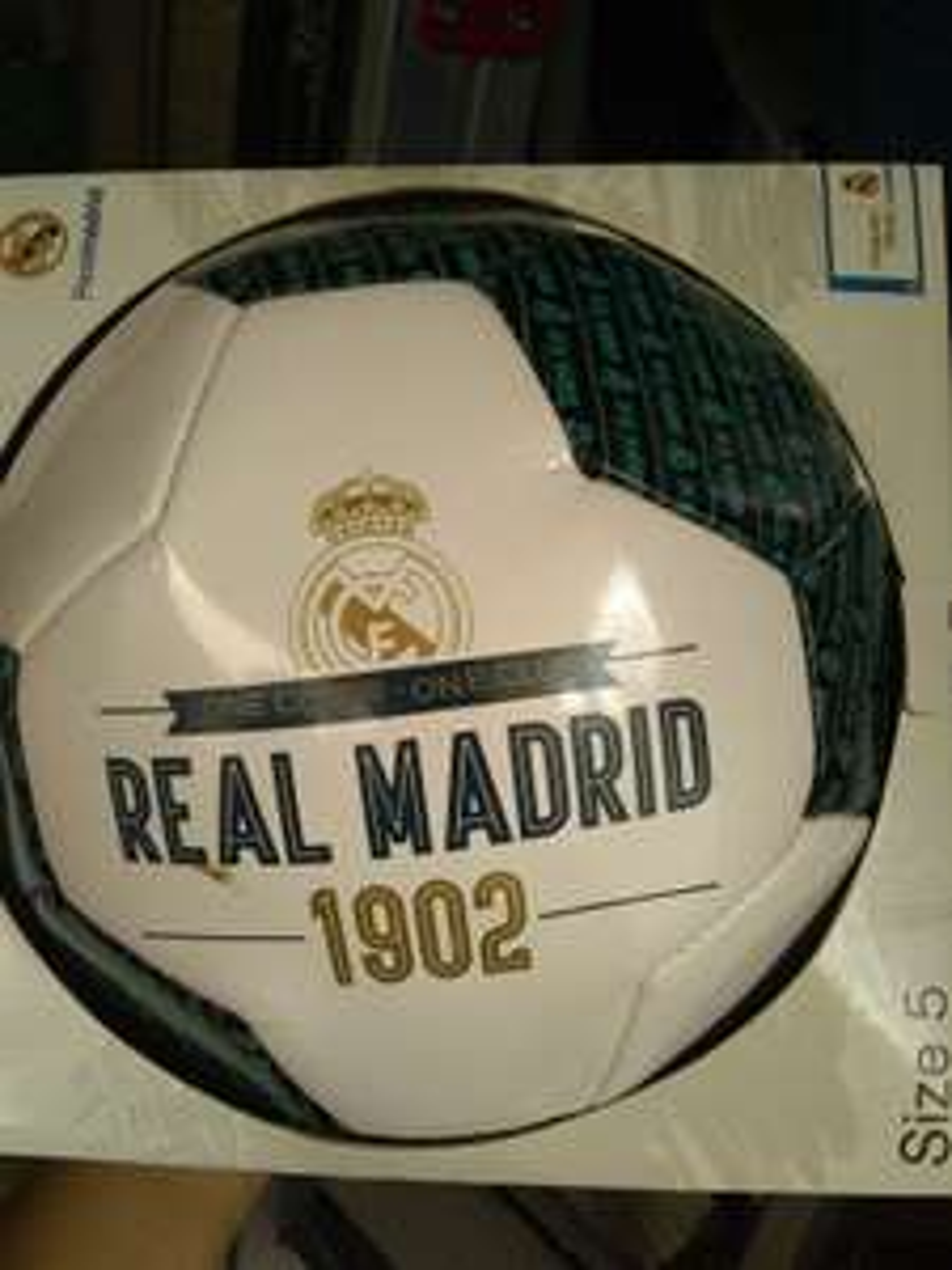 Bodega aurrera: Balón de Real Madrid