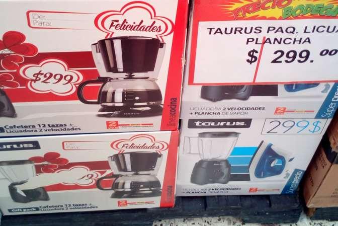 Bodega Aurrerá: licuadora  y Plancha Taurus por $299