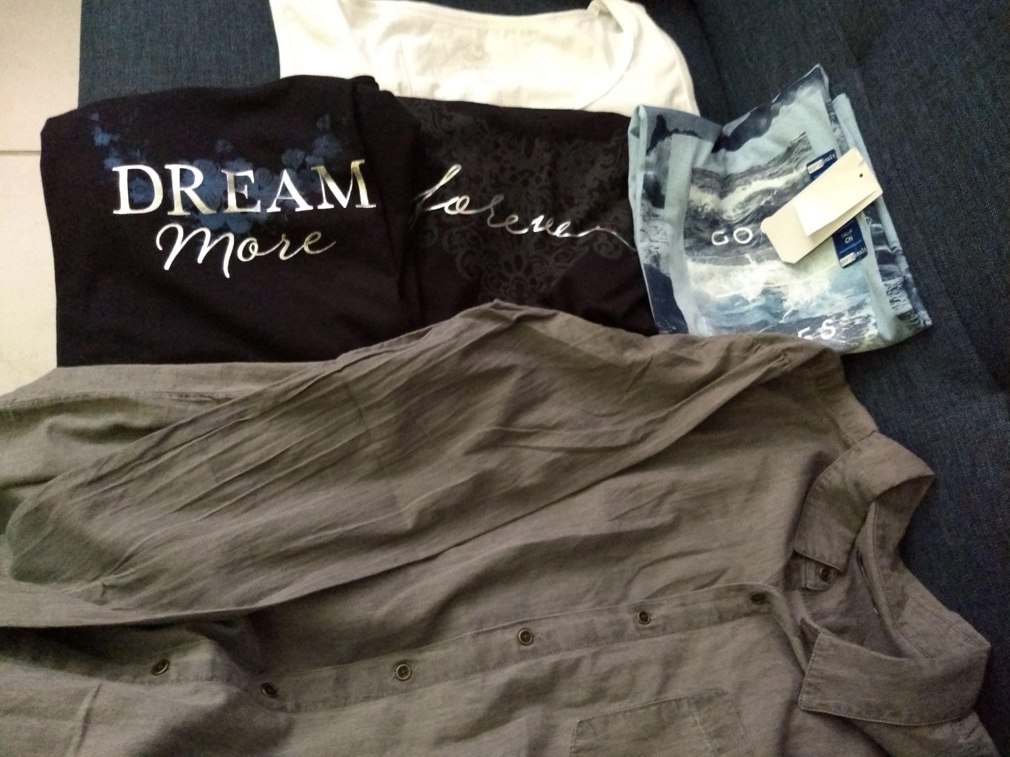 Walmart Zapopan: Playeras $10, camisas $30