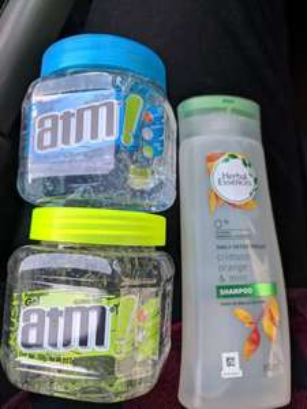 Bodega Aurrera: Shampoo herbal y gel atm
