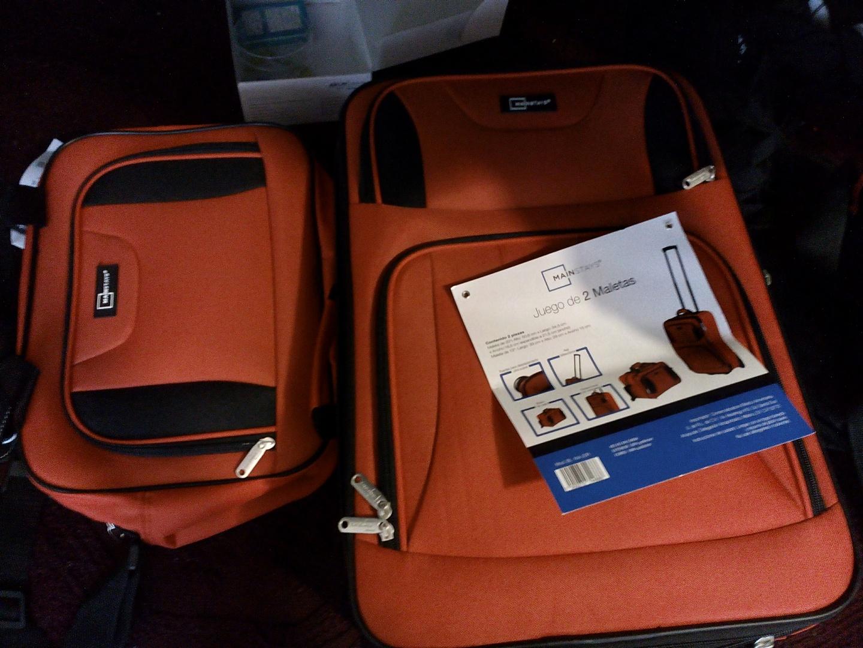 Bodega Aurrerá (torrecillas, Puebla): juego de 2 maletas color rojo