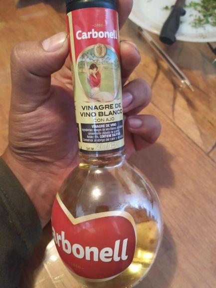 Soriana: Vinagre de vino blanco con ajo marca Carbonell