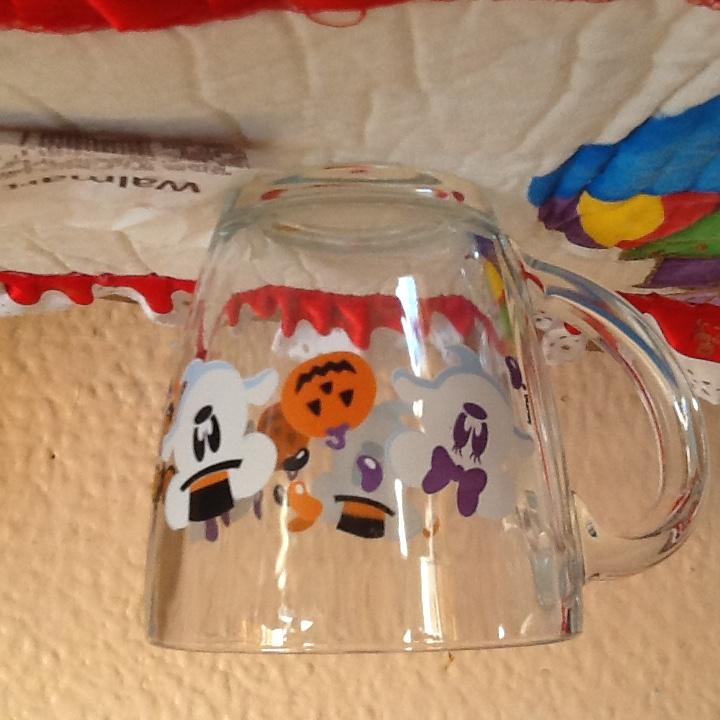 Walmart: Tarro cafetero hallowen,  Disney $2.03
