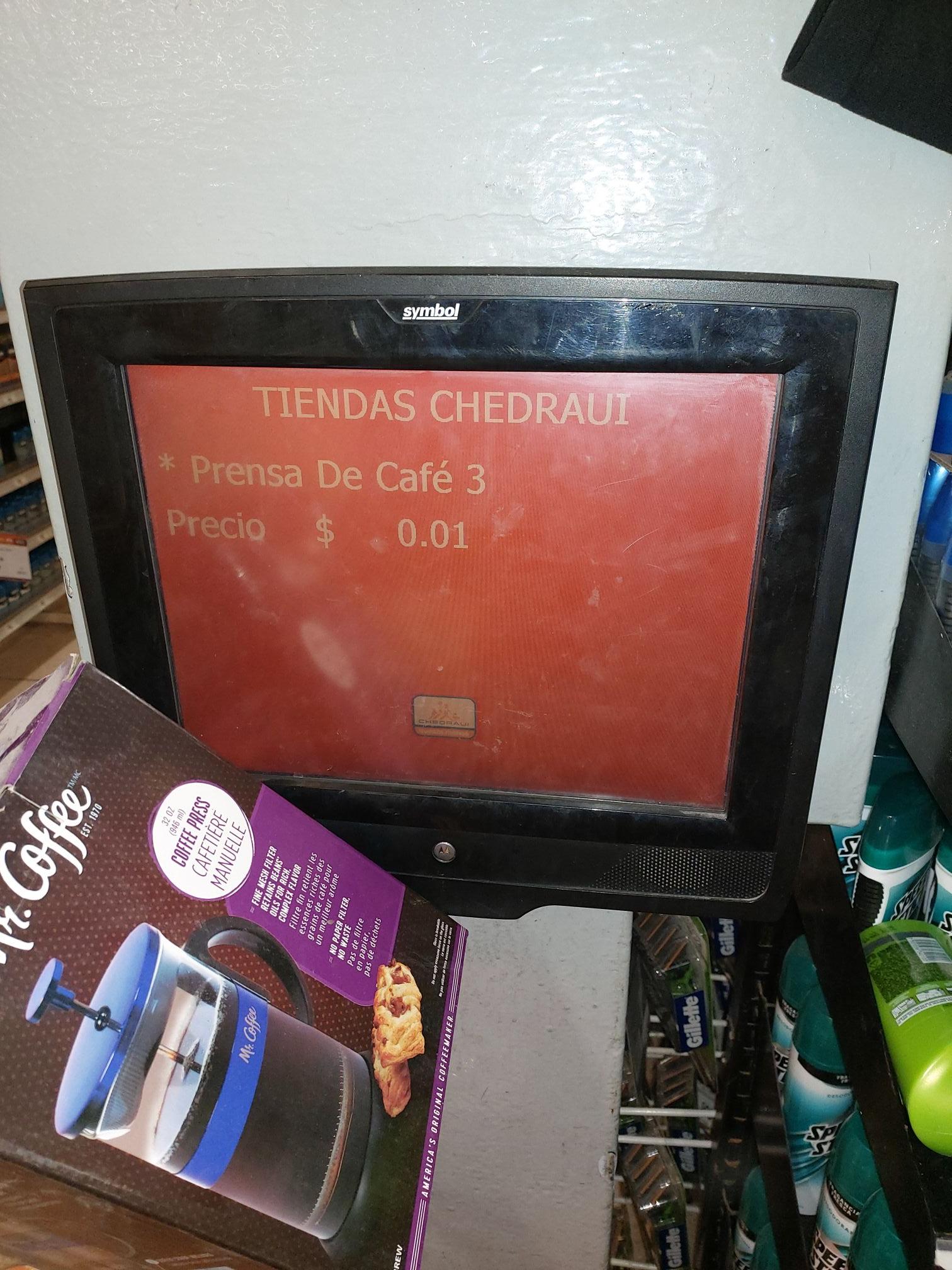 Chedraui: Prensa de café Color azul paso en un centavo, demas colores 12.01