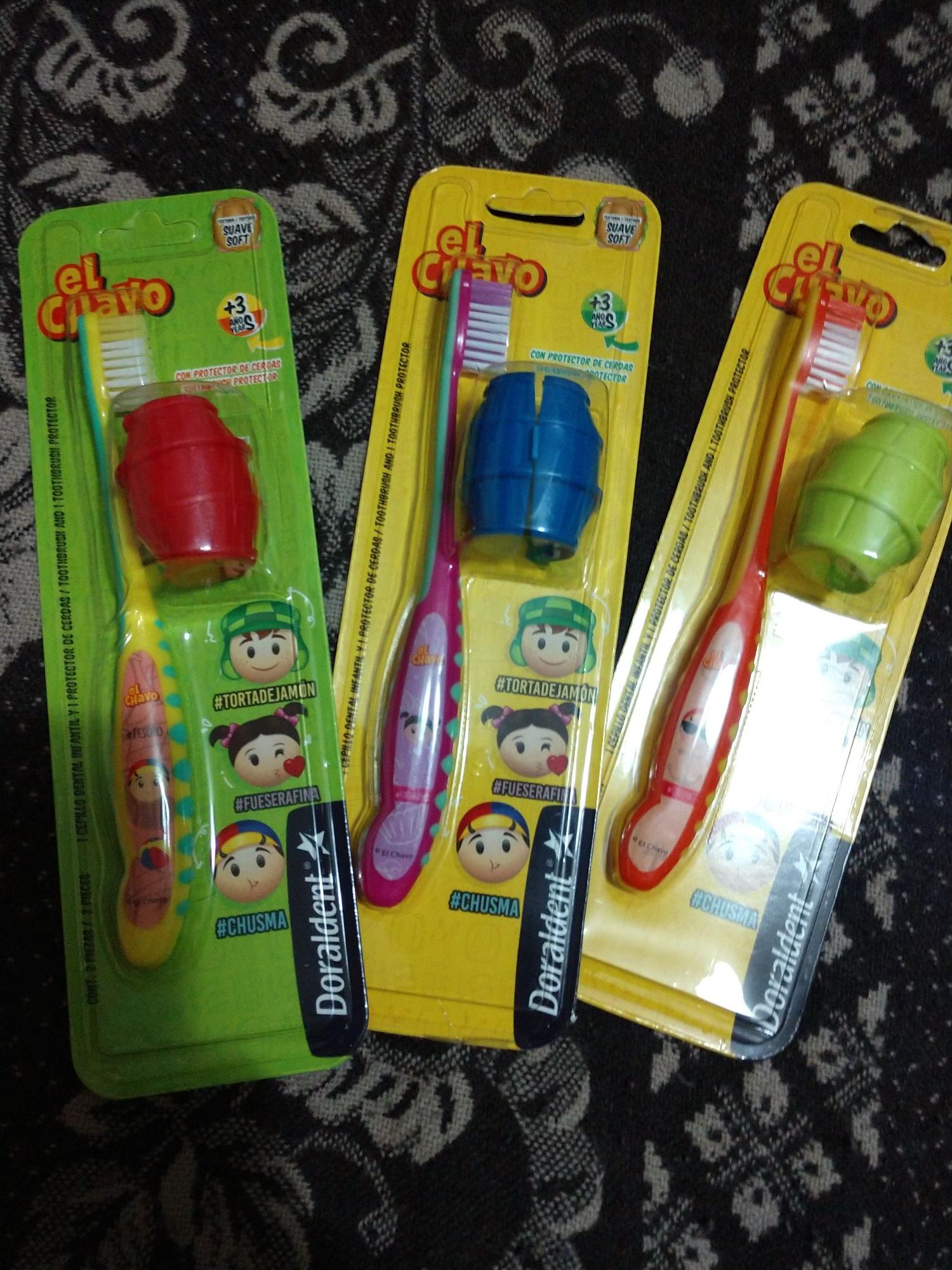 Bodega Aurrera: Cepillo de dientes con cubre cepillo de El Chavo