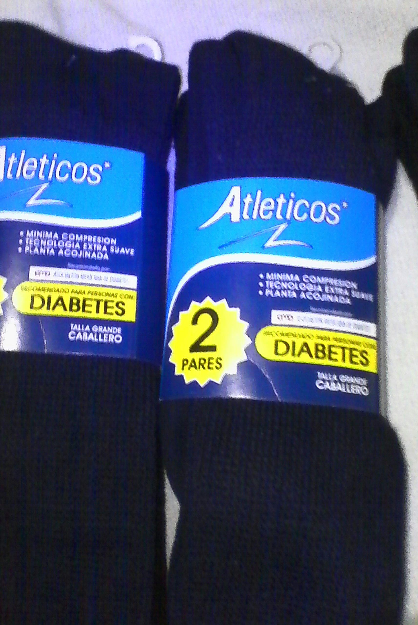 Walmart: Calcetines atleticos diabetico 2 pares, traje de baño para niña y más...