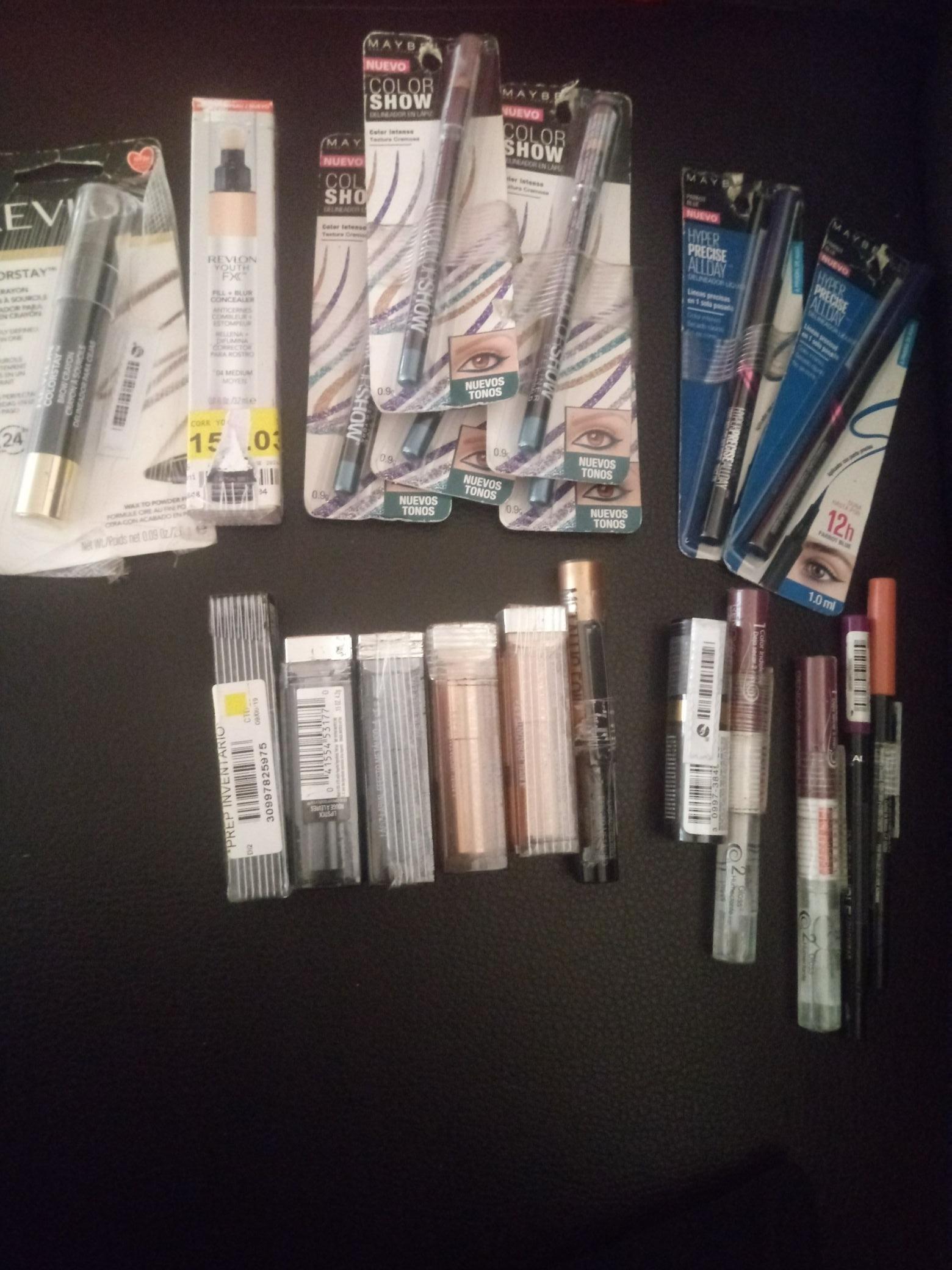 Walmart, liquidación de maquillaje.