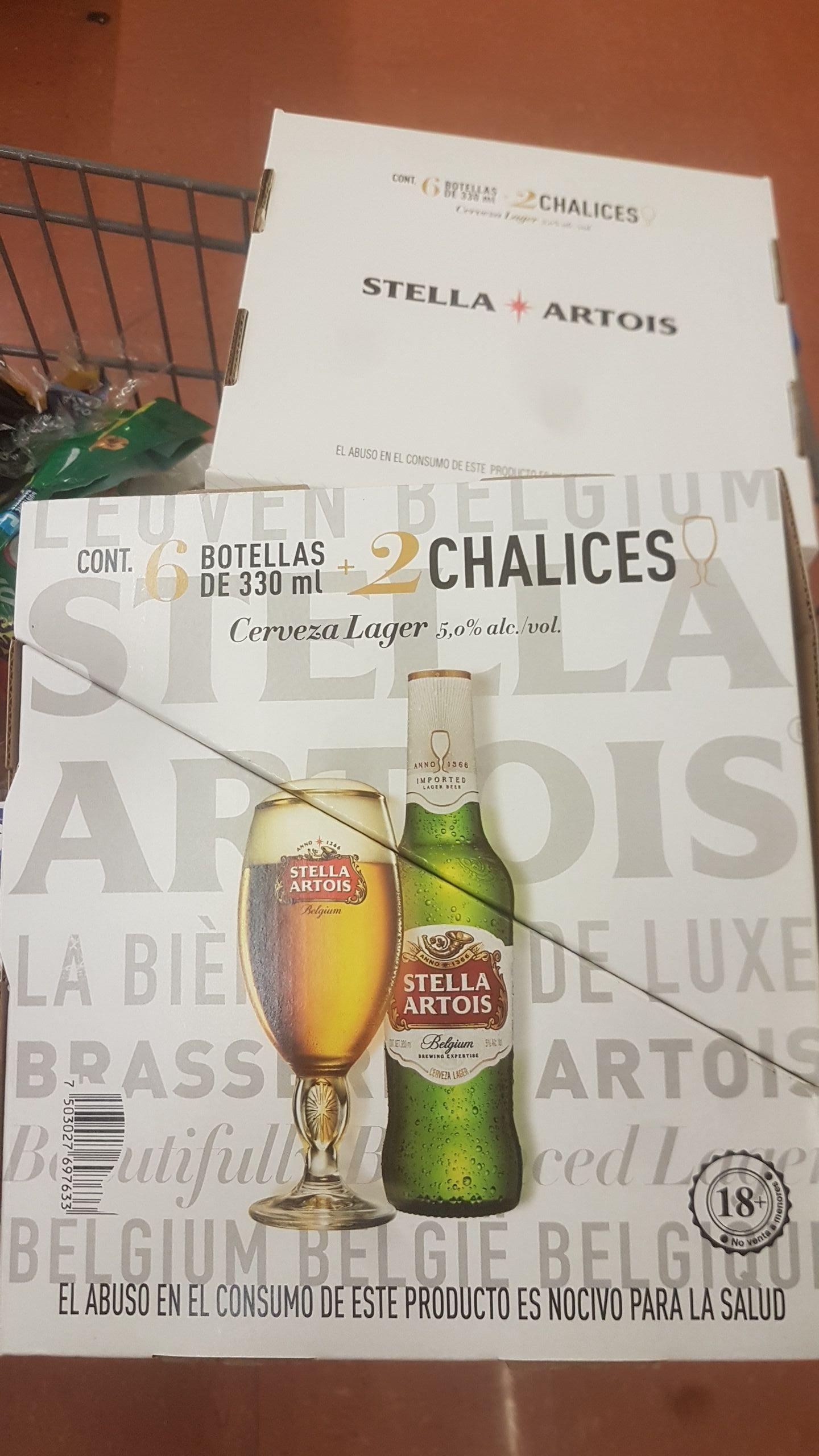 Walmart: Cerveza Stella Artois. 6 botellas de 330 ml + 2 copas Chalices.