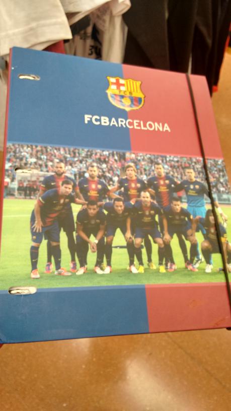 Walmart:carpeta profesional clubes europeos (Barcelona ò Man U) a $35.01
