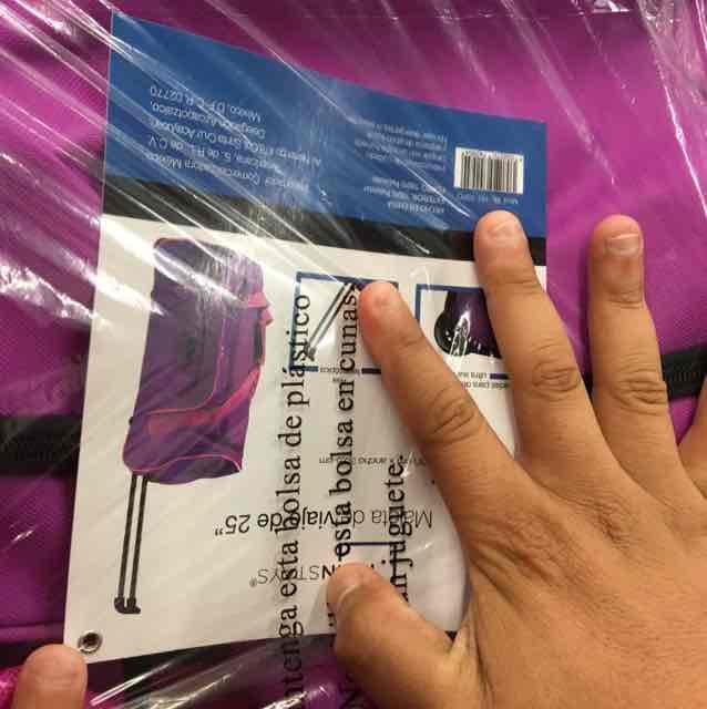 "Bodega Aurrerá: maleta de 25"" a $350"