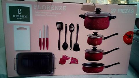 Bodega Aurrerá: Bateria de cocina Gibson Home modelo Florence de 27 piezas a $195.02