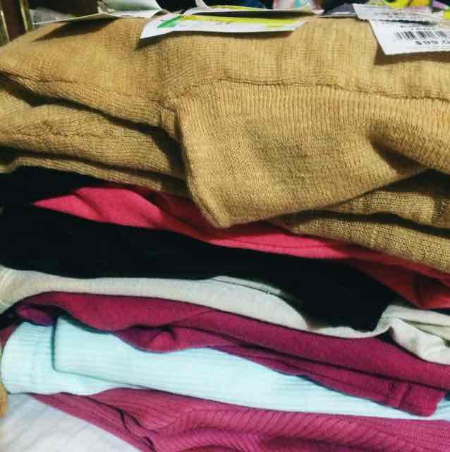 Bodega Aurrerá La Presa: Suéteres varios modelos
