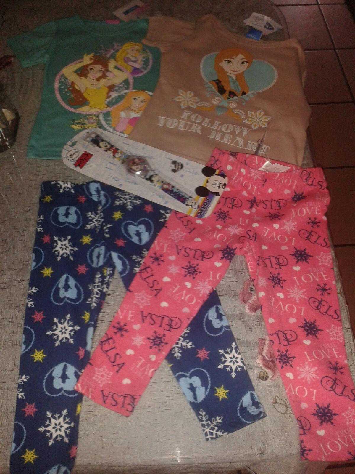 Walmart gdl centro sur: mallones de Frozen, blusa de princesas y reloj Mickey a $10