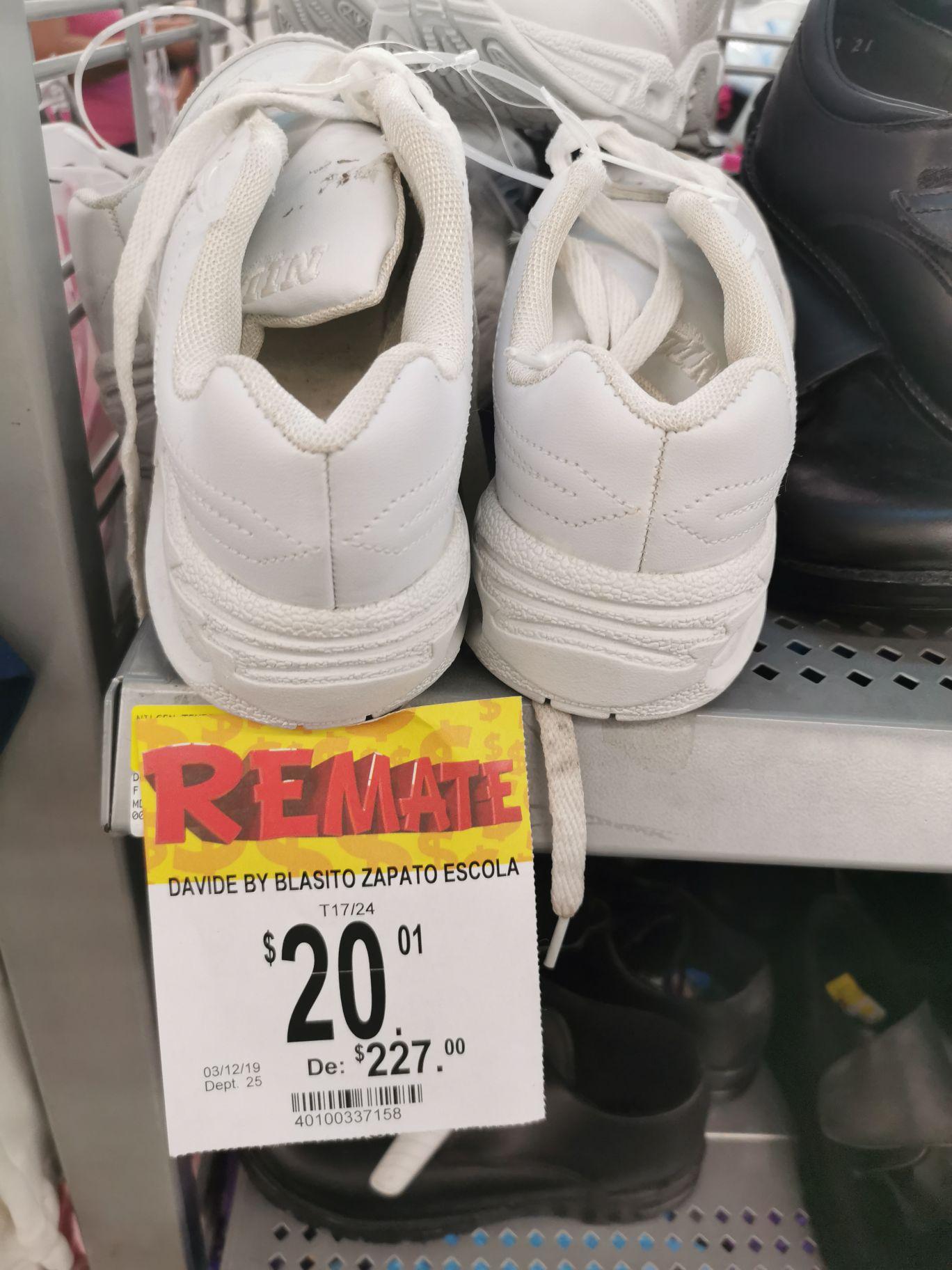Bodega Aurrerá: Varios zapatos para niño en última liquidación