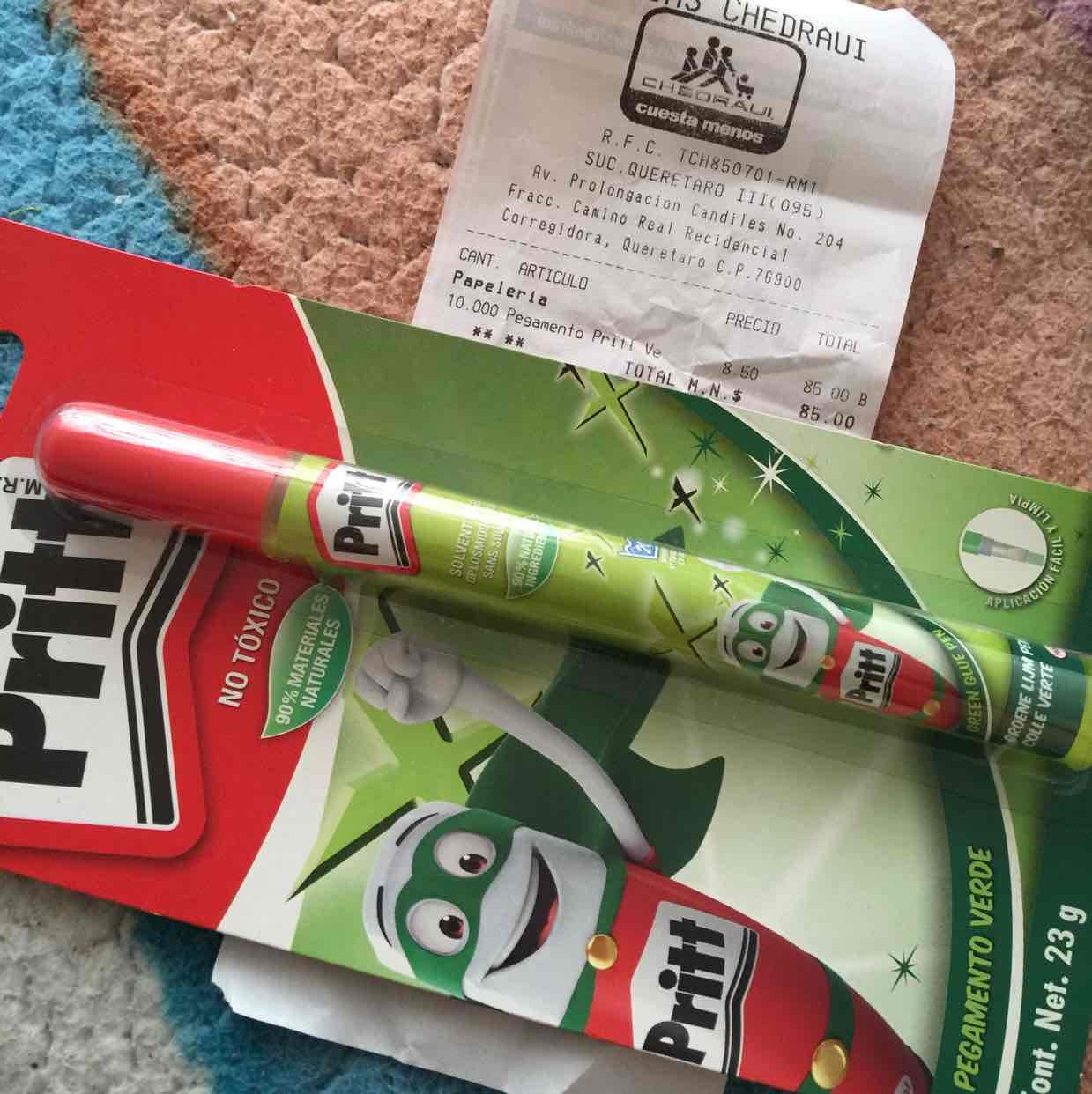 Chedraui: Pritt pluma Verde y Rosa a $8.50