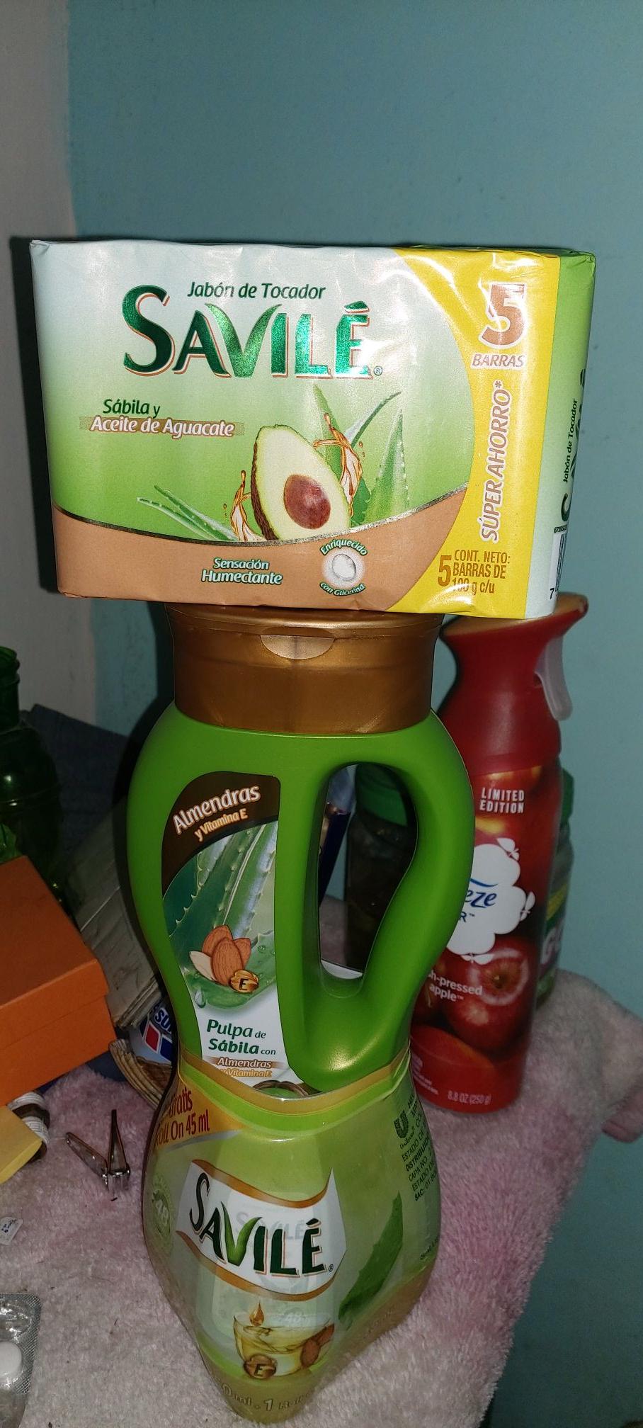 Soriana: Shampoo Savile incluye Desodorante.