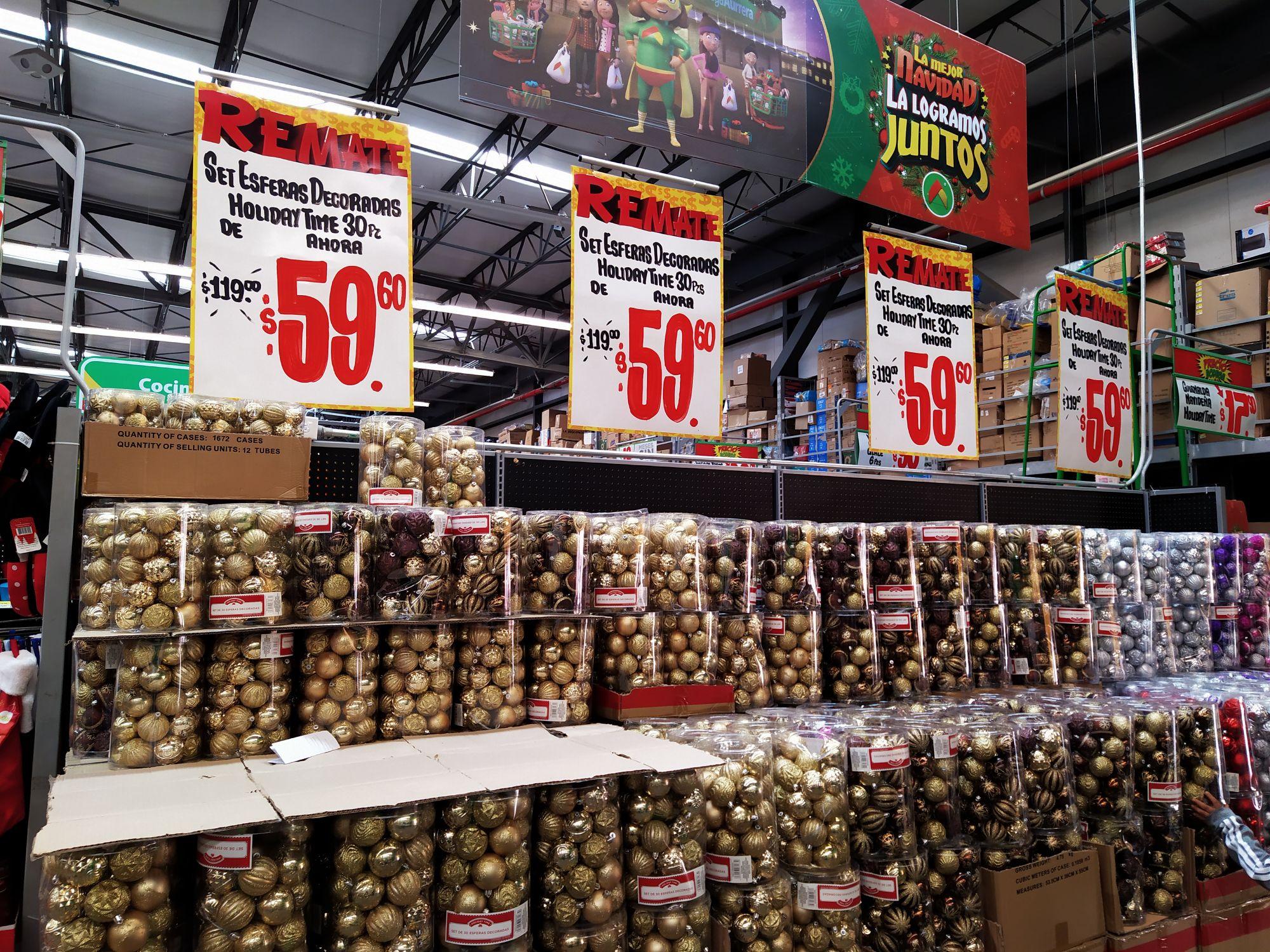 Bodega Aurrera: 30 esferas. Precio de remate de $119 a $59.60