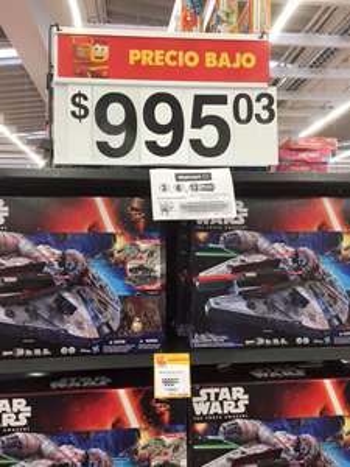 Walmart: Halcon Milenario de Star Wars de $2,650.00 a $995.00