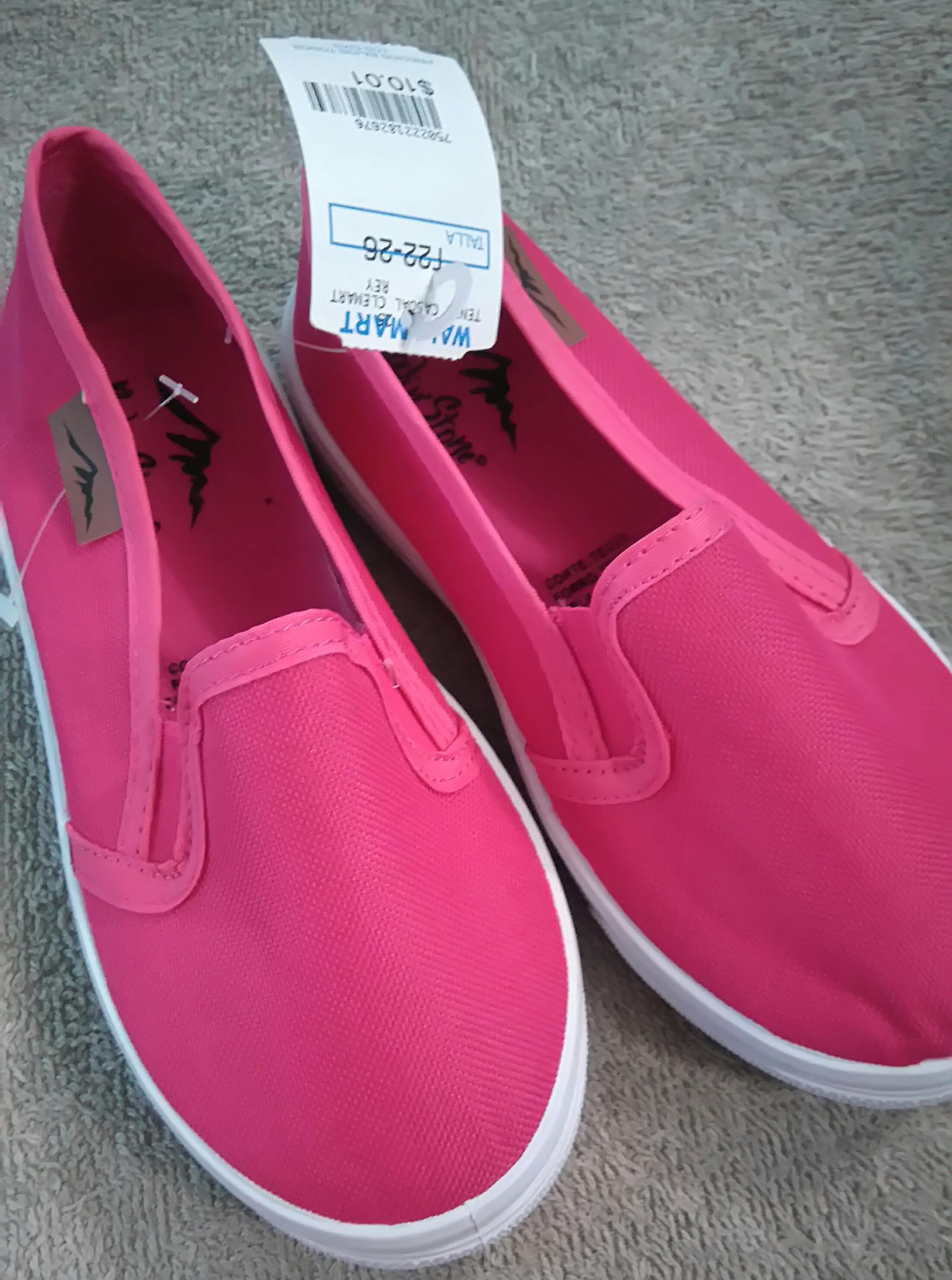 Bodega Aurrerá: Zapato para niña de $98 a $10.01