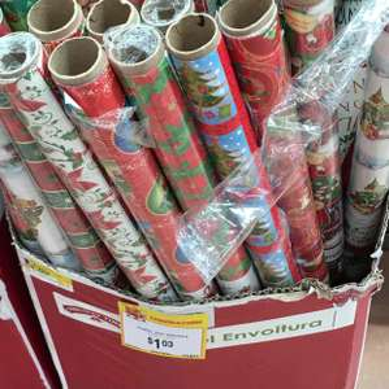 Walmart: Papel para envoltura navideño 4 hojas