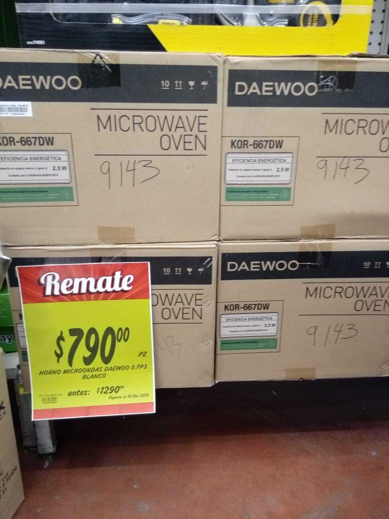 Soriana mercado: Liquidación de microondas DAEWOO en tienda y Set de herramientas STANLEY en liquidación