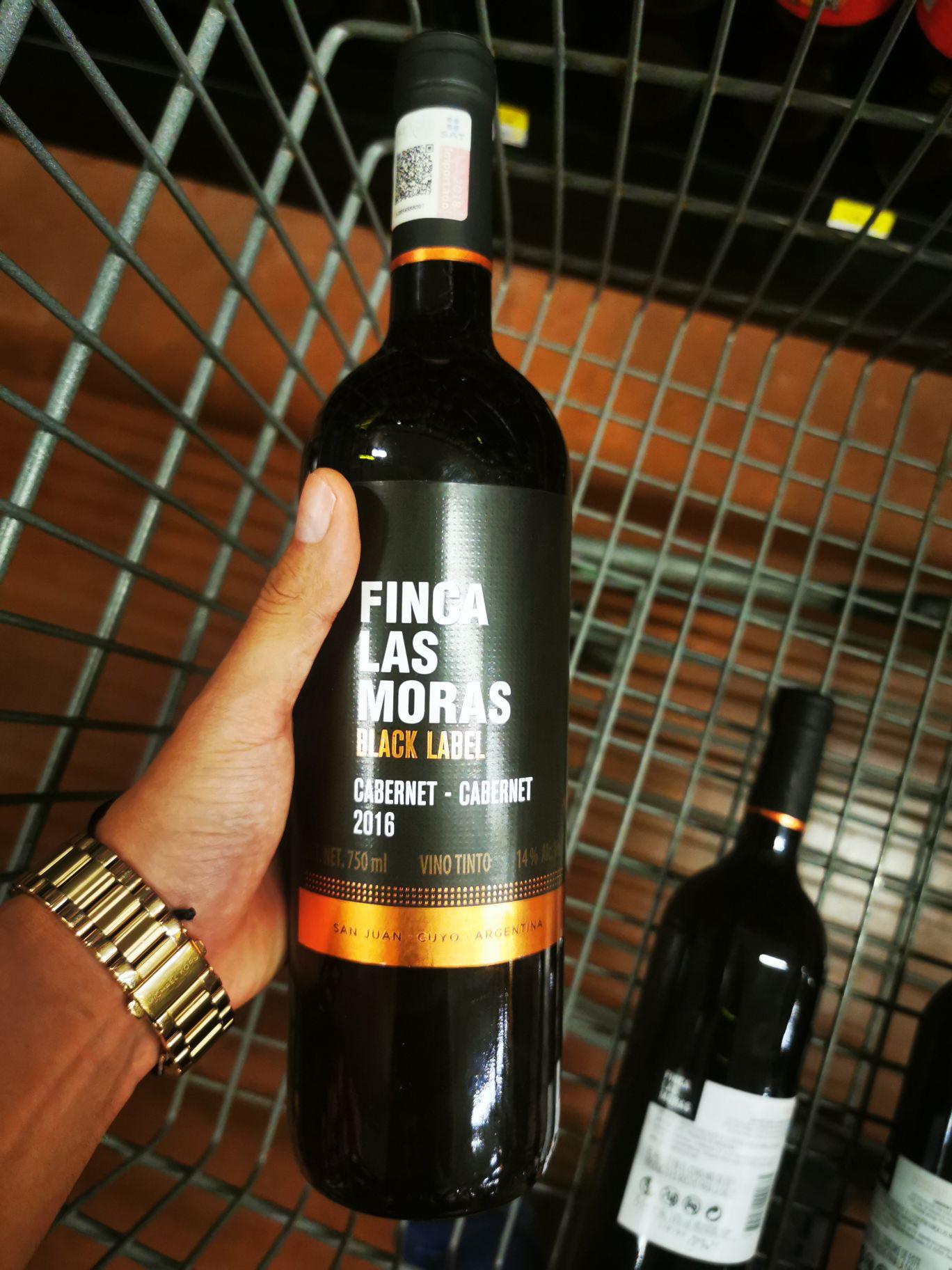 Walmart Tapachula. VINO tinto las moras Black label