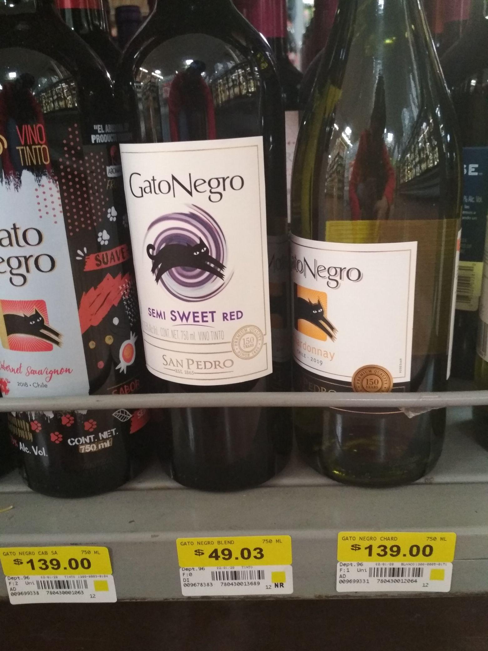 Walmart: Vino Gato Negro Semi Sweet Red