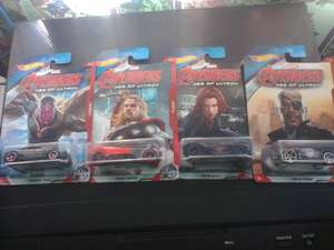 Bodega Aurrerá: Autos Hot Wheels Avengers a $ 9.03, playera cuello V a $39