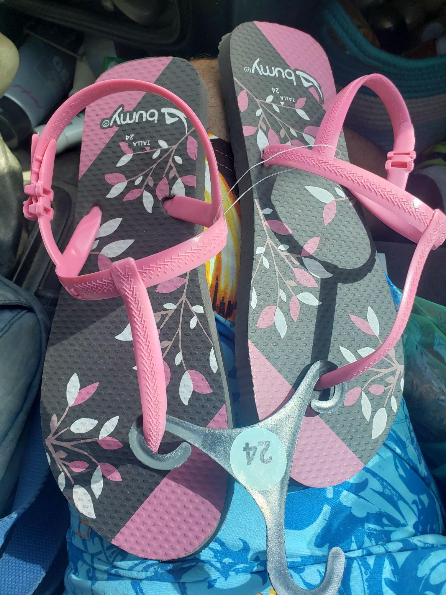 Walmart sandalias para dama en $10.01